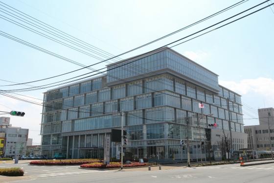 201503iwakuni_cityhall-1.jpg